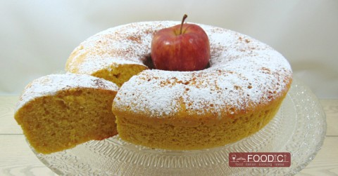 ciambellone-con-mela-gratugiata-evidenza