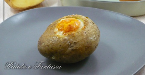 patata-ripiena-uovo-ricetta-patata-ripiena-evidenza