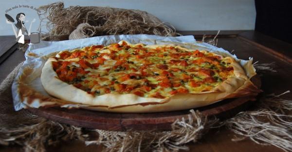 Torta salata con carote e piselli