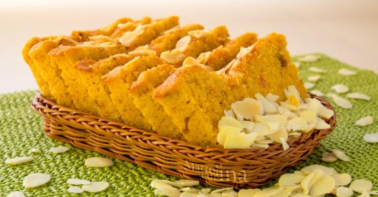 Plumcake 7 vasetti con mandorle, sugo di pomodorini secchi e ricotta (in forno tradizionale e in microonde)