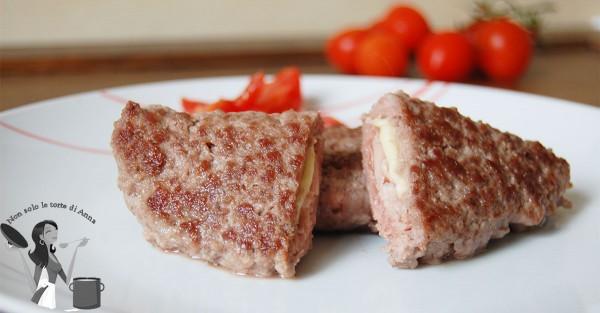 Calzoni di carne macinata ripieni
