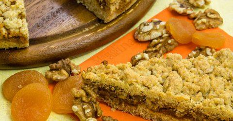 Fregolotta integrale con noci, miele e albicocche secche