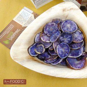 chips-patate-viola-gluten-free-quadrata-01