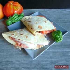 piadina-crudo-mozzarella-pomodoro-quadra-01
