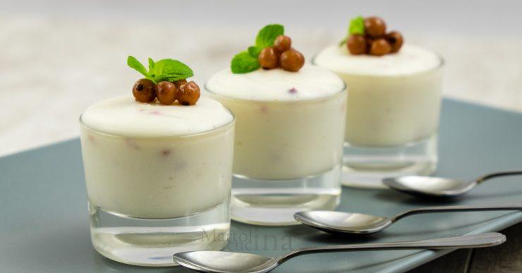 Mousse al cioccolato bianco e ribes